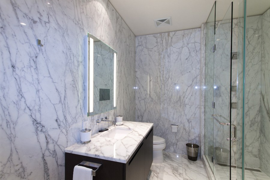 Shangri-La Toronto Condo For Sale - Sales Contact Yossi Kaplan - Bathroom 4
