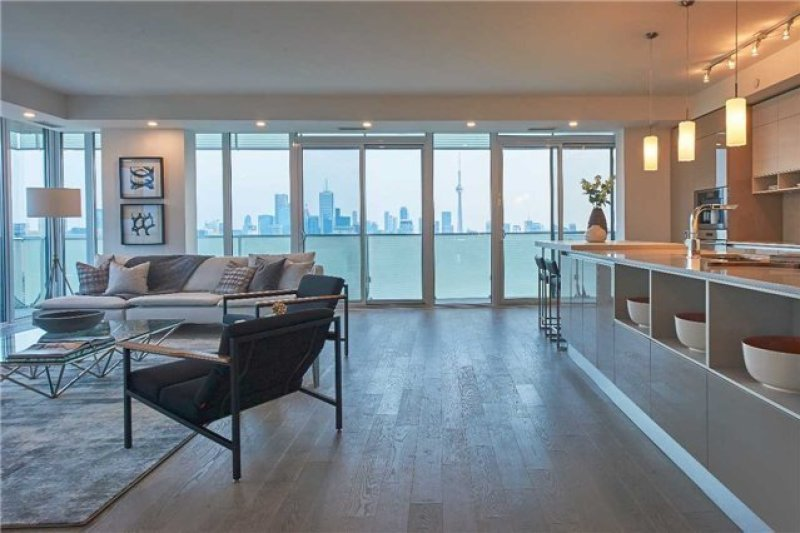 200 Bloor West Condos for Sale - Interior Corner Suite