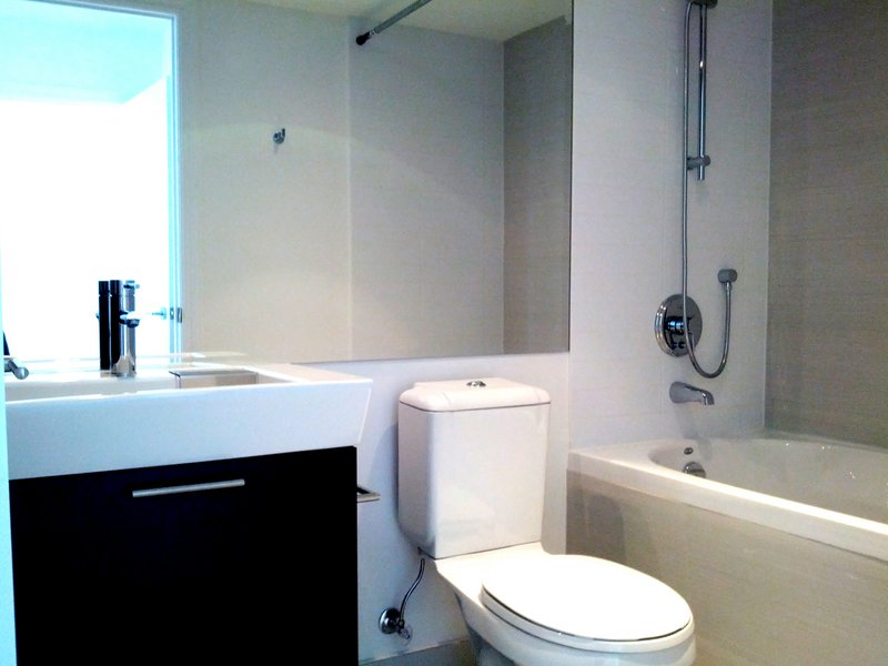AURA CONDO FOR SALE - BATHROOM