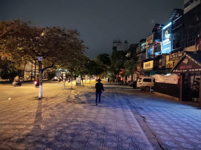 全国隔離措置 前夜のダオタン通り ハノイ