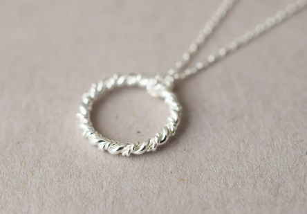 Necklace Twisted Ring
