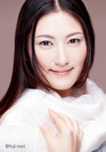 田中彩子[http://j-two.co.jp/ayakotanaka/profile]