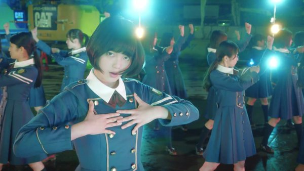 欅坂46「サイレントマジョリティー」 [https://pbs.twimg.com/media/Cdo1WRpVIAEVsKT.jpg]