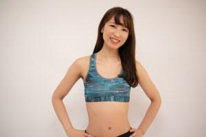 腹筋を割りたいなら腹筋だけでなく◯◯も鍛えれば割れますよ!