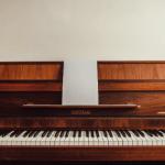 古びたピアノ