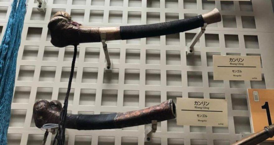 大腿骨で出来た笛カンリン
