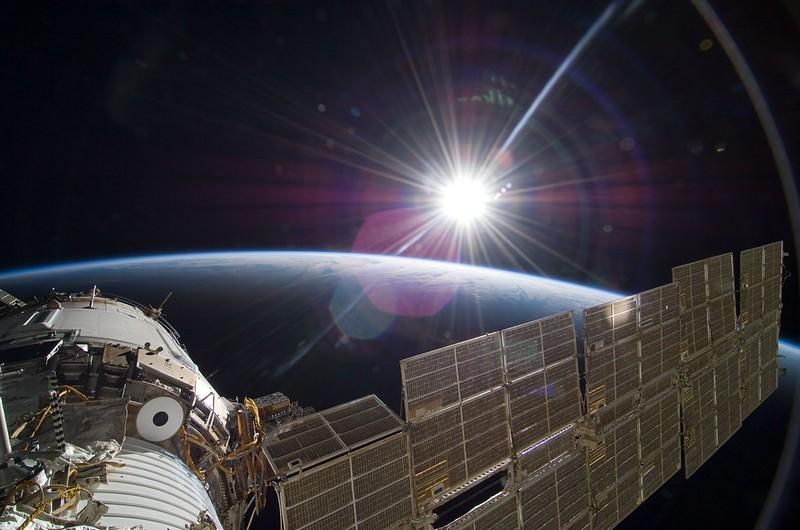 太陽と地球