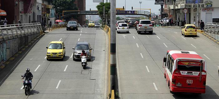 Semáforo de la calle 5 se activa en verde para seguridad de peatones