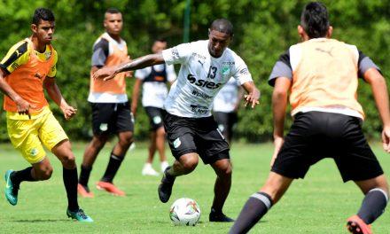 Doble práctica de fútbol para el verdiblanco en la cuarta jornada de la semana