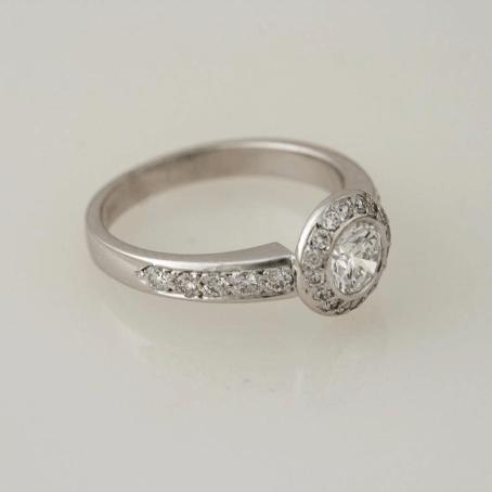 Diamond Ornament Halo Ring 4