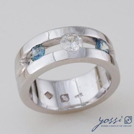 Sparkling Marine Statement Ring   Diamond, Sapphire & White Gold 3