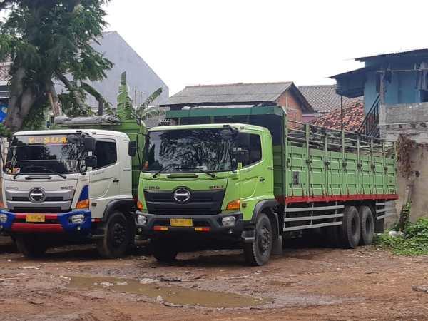 Jasa Logistik Truk Konteiner 20, 40, 45 feet Solo, Yogyakarta, Semarang