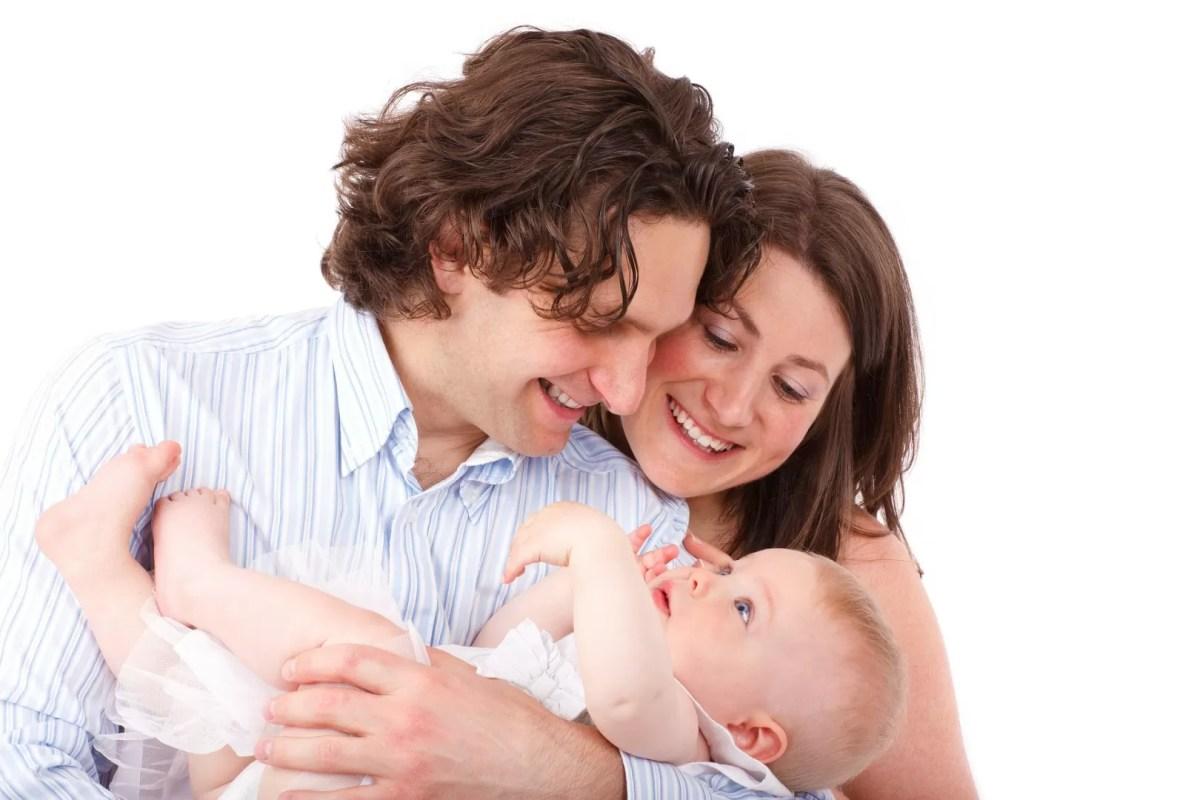 出産祝いにママとパパが喜ぶプレゼント!オススメの役立つギフト!