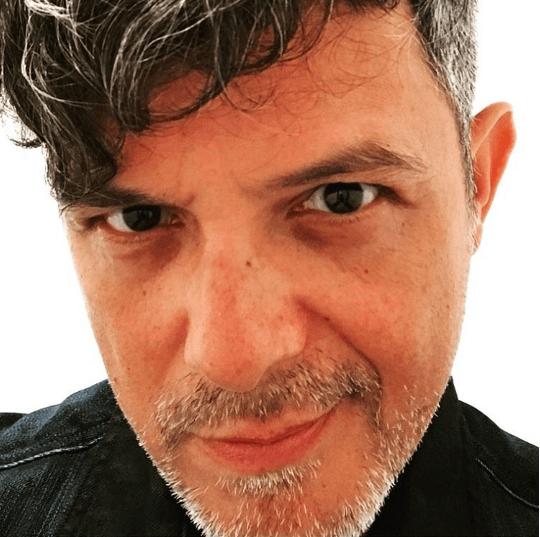 Vive, la Esperada Autobiografía de Alejandro Sanz