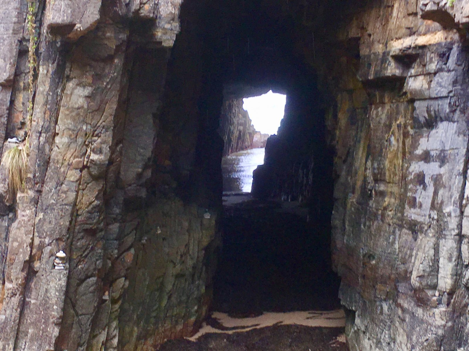 Remarkable Cave (Shape of Tasmania)