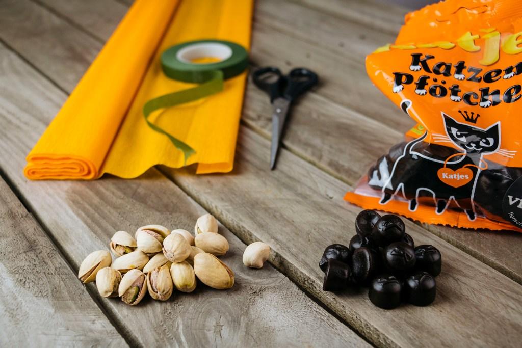 Halloween DIY - mache deine eigenen Kürbis Goodie Bags