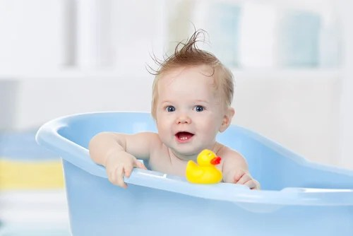 The Ideal Temperature for a Baby's Bath – You are Mom