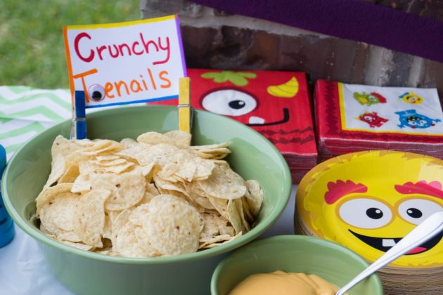 Crunchy toenails (chips)