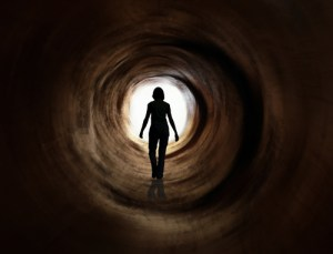 people_woman_in_tunnel