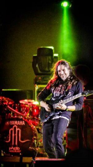 Antonio-Valderrama---Músico,-Compositor-y-Guitarrista---Youbeart-Academy