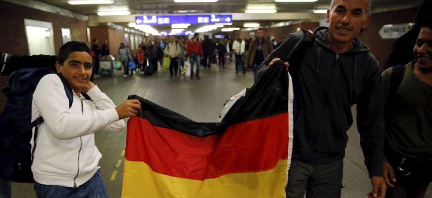 новости,новости Европы,европейскме новости на русском,мигранты издеваются над людьми,в бердине мигранты издеваются над людьми