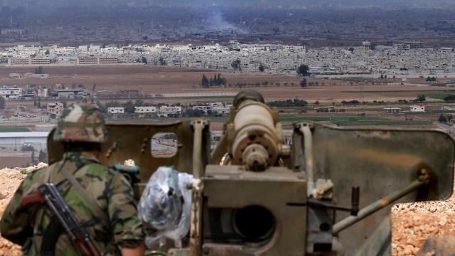 Турция продолжает обстрел Сирии(Видео)