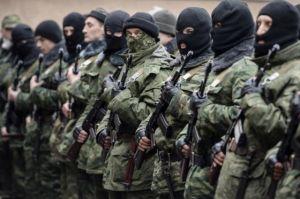 Нацгвардейцы Украины днем в центре города при людях расстреляли в упор журналистов канала .......
