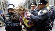 Беспредел американских полицейских продолжается (Видео)