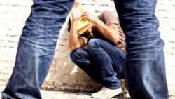 В США школьник напал на учителя во время урока (Видео)