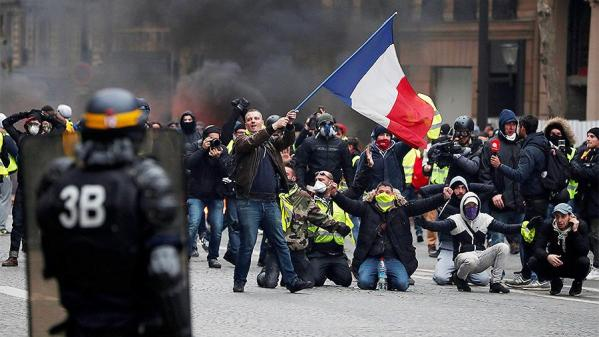 2018-12-08T214734Z_668351174_RC12B86BA8A0_RTRMADP_3_FRANCE-PROTESTS