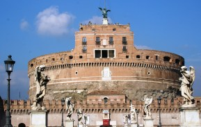 Le castello Sant'Angelo