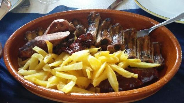 budget eats at furancho in moańa