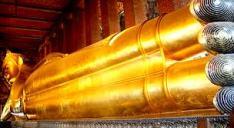 huge wat pho statue bangkok