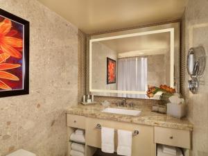 The Mirage Hotel and Casino Bathroom