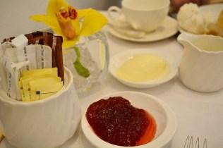 High Tea at the Raffles Hotel Singapore via youmademelikeyou.com