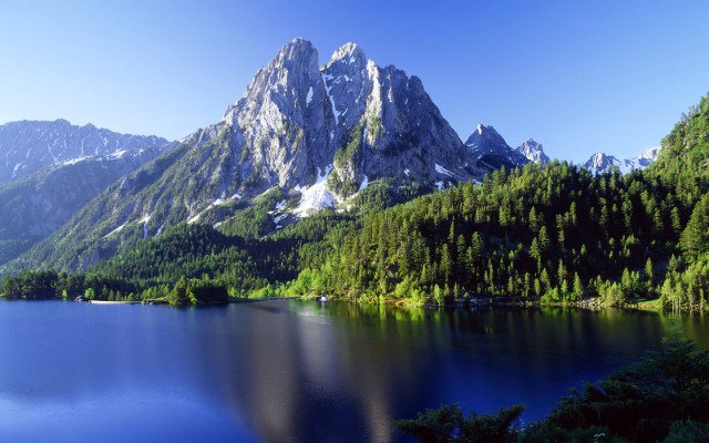 Mountain Nature HD Wallpaper For WideScreen