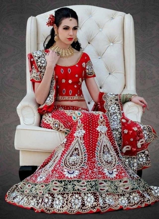 beautiful pakistani Bridal lehanga
