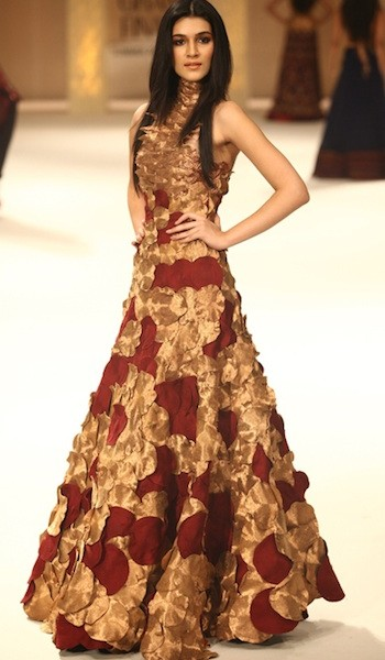 Rohit Bal Latest Wedding Collection For Girls