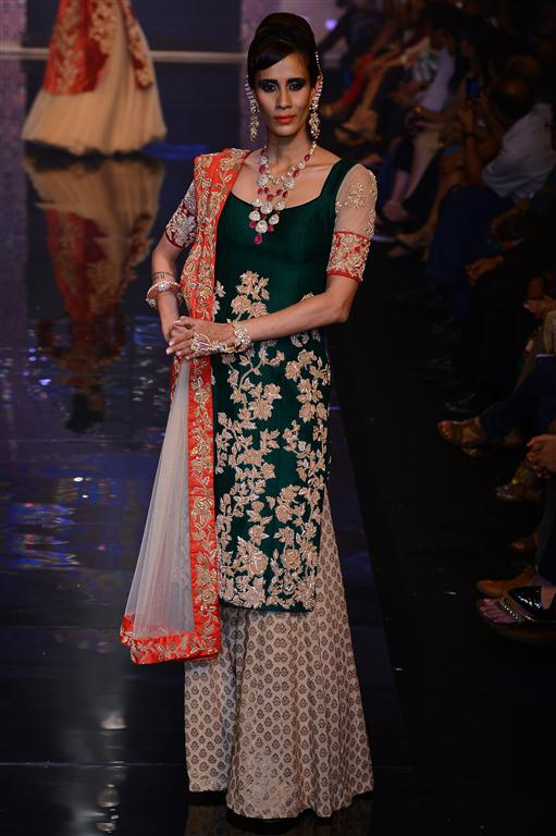 Sabyasachi Latest Wedding Collection For Girls
