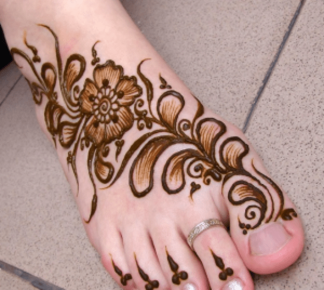 karva chauth mehndi design for legs