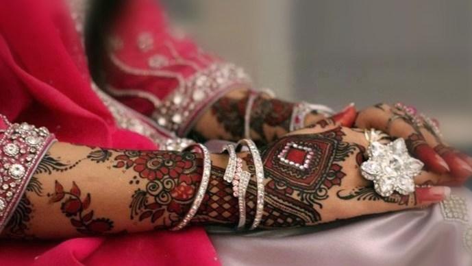 beautiful karva chouth mehndi designs