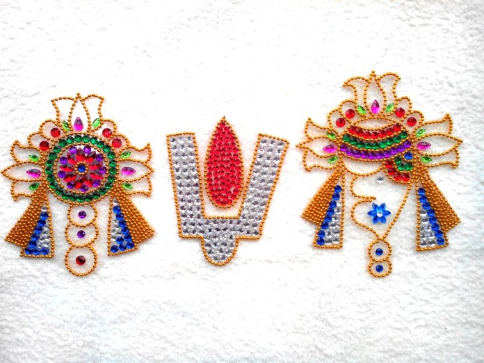 beautiful kundan rangoli design