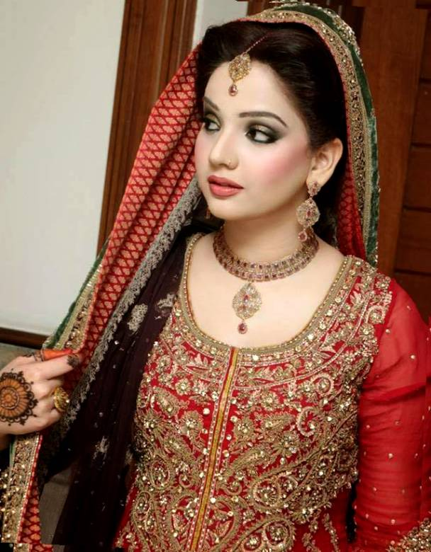 Marvelous Top 30 Most Beautiful Indian Wedding Bridal Hairstyles For Every Short Hairstyles Gunalazisus