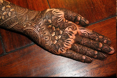 dark color mehndi designs