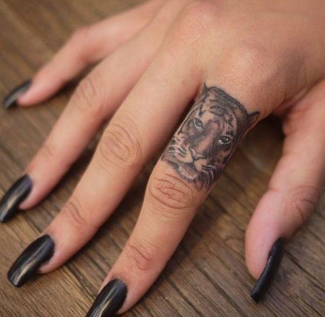animal tattoo design for ladies