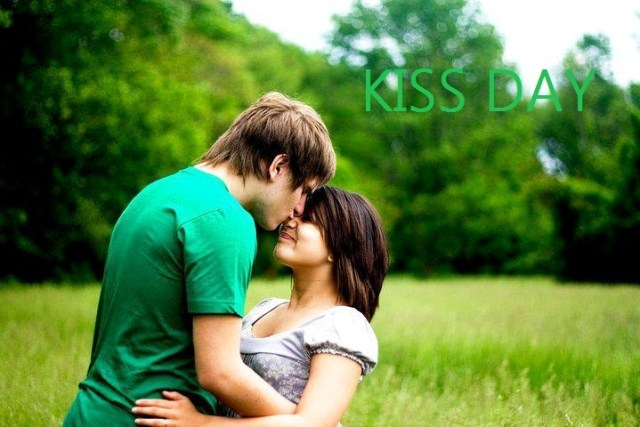 happy kiss day couple images