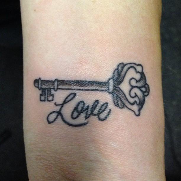 love wrist tattoo design