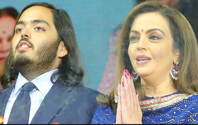 anant ambani with mother nita ambani