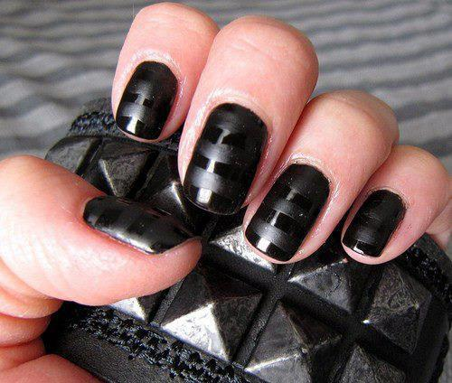black nail polish color