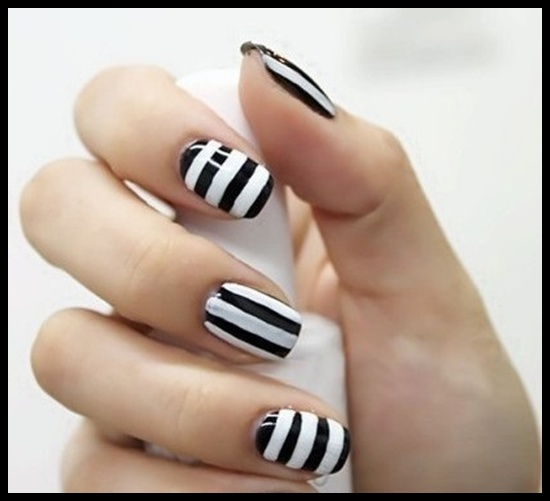 strip design nail art